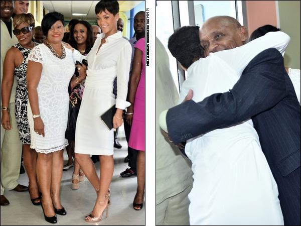 » 22 Déc | Cérémonie pour la donation de Rihanna au «Queen Elizabeth Hospital» à la Barbade