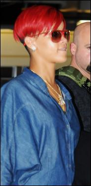 » 18 Juin | Rihanna quitte la Barbade