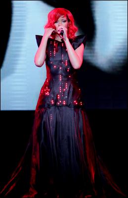 » 28 Août | Rihanna donne un dernier concert à New York