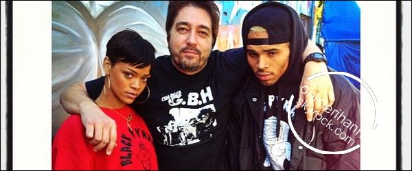 » 02 Jan | Rihanna et Chris s'arrêtent dans un magasin à L.A