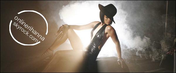» News | Rihanna adore ses cheveux rouges