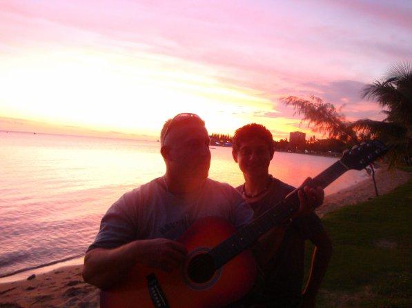 Belle fin d'aprés midi, sur la plage de l'Anse Vata ...