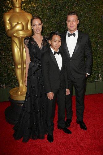 Angelina Jolie : son fils Maddox lui tourne le dos ?