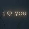 On ne peux pas empêcher un coeur d'aimer.