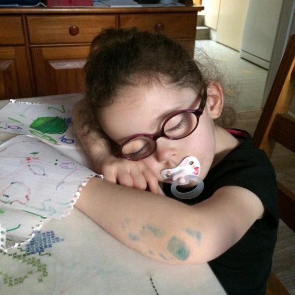 Petite fille en plein sommeille