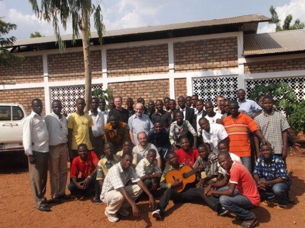 Rapport de la rencontre des Anciens séminaristes carmes et les frères carmes à Bimbo