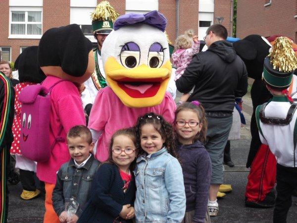 voici mes petits enfants au carnaval de Petite-Foret