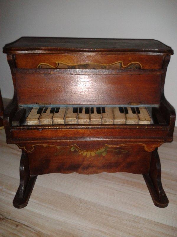 LE PIANO DE NADINE SHIRLEY