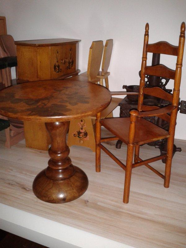 TABLE ET FAUTEUIL  POUPEE