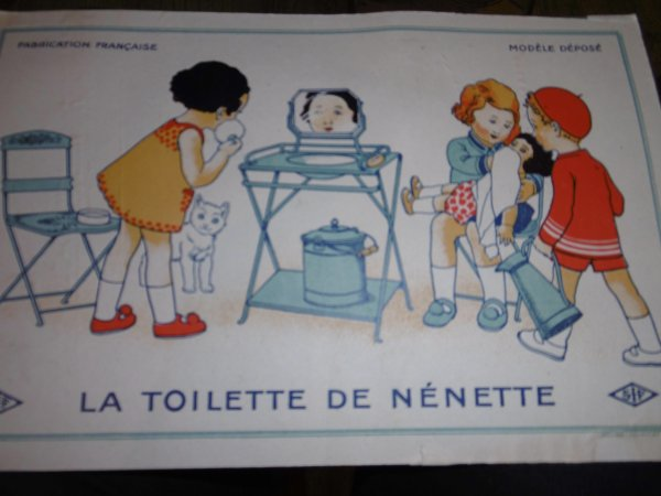 LA TABLE DE TOILETTE