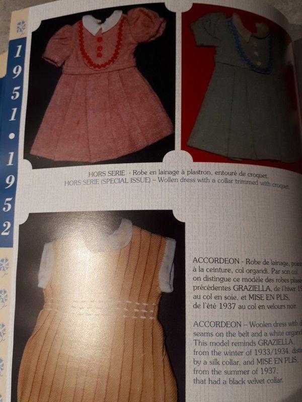 ROBE BLEUETTE REPRODUCTION TENUE HORS SÉRIE GAUTIER LANGUEREAU 1951/1952