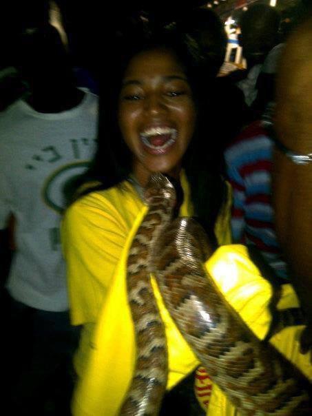 En haiti devant moi le cobra aaah! lol