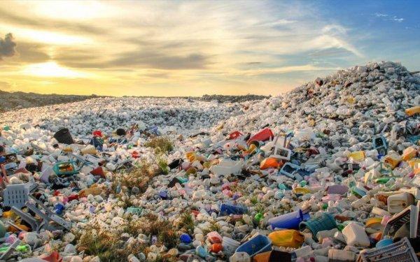 montagne de plastique