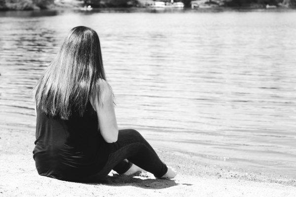""" """"On passe toute notre vie a attendre qu'il se passe quelque chose, et finalement la seule chose qui passe c'est notre vie."""""""