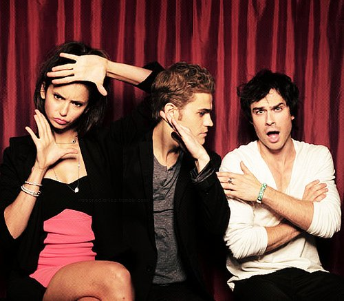 Page Facebook Vampire Diaries