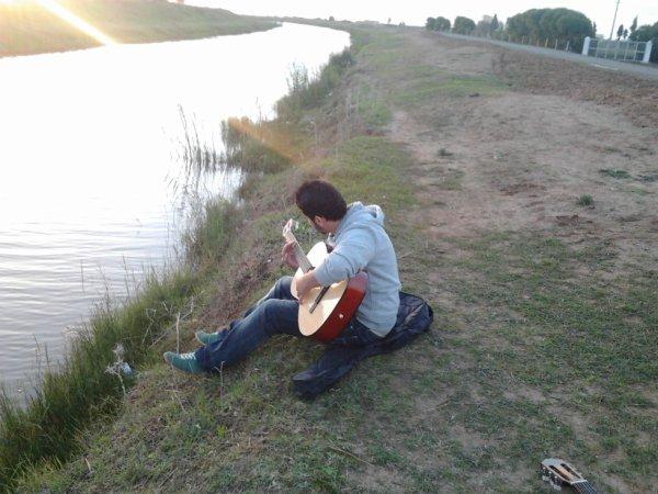 ma guitare et moi ...c'est juste une histoire