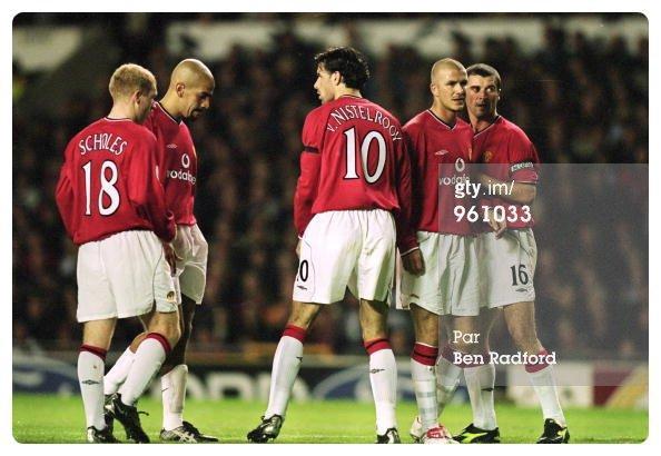 Maillot Manchester United porté par Paul SCHOLES contre Lille en Ligue des Champions 2001-2002.