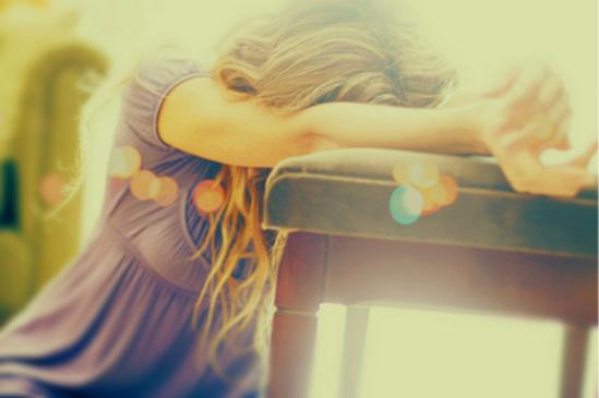 Laa seule & unique personne qui peux sécher tes larmes , c'est celle qui te les fait coulée .