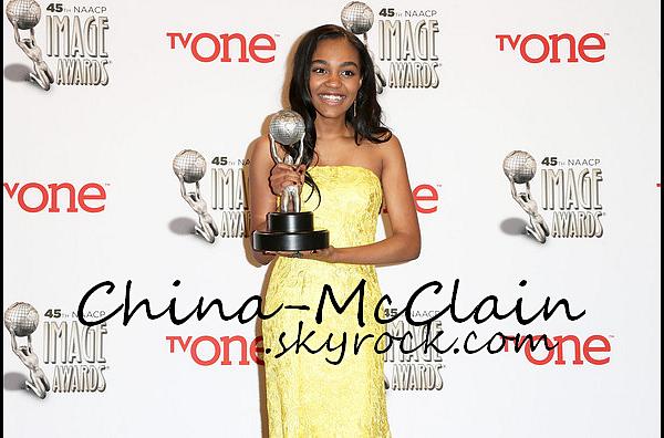 Suite - NAACP Image Awards à Pasadena.