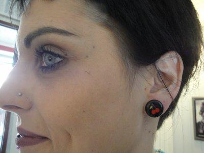 Plug 10 mm - labret vertical - piercing au nez.