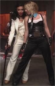 """Brittany et Santana sur """"Me against the music"""""""