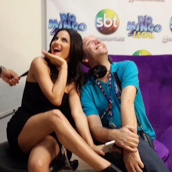 """Maite Perroni participando ao vivo do programa """"Domingo Legal"""" em São Paulo, Brasil (24.11.13)"""