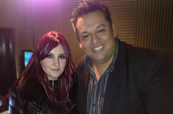 Dulce María nos estúdios da Rádio Exa na Cidade do México, México (29.11.13)
