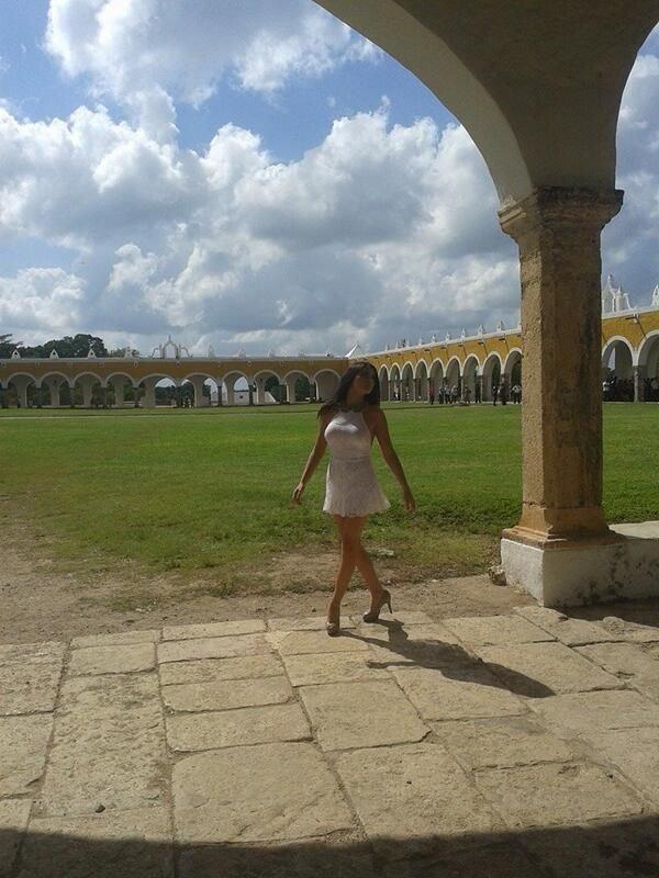 """Maite Perroni nas gravações do clipe da canção """"Eclipse de Luna"""" em Yucatán, México (09.11.13)"""