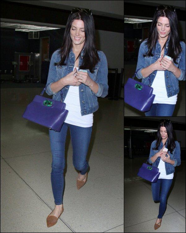 03-04-13 -Première sortie d'Ashley à l'aéroport de LAX après l'incident de son appartement.