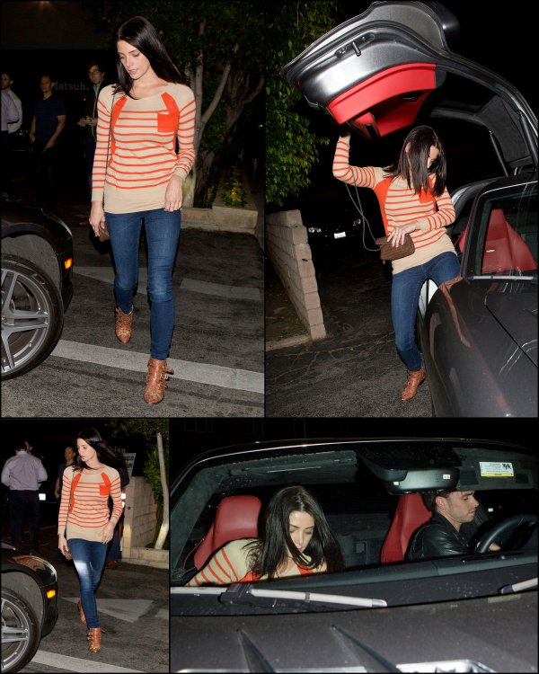 17-04-2013 -Ashley sortant d'un restaurant de Berverly Hills.