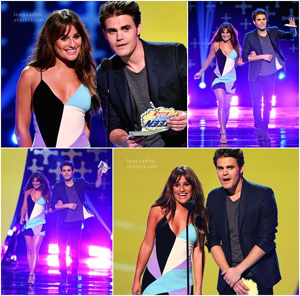 Events: Lea était présente hier soir (10/08/14) à Los Angeles pour les Teen Choice Awards qui étaient diffusés sur FOX, elle y a même gagner un prix!  Coté tenue, elle portait une magnifique robe colorée! J'adore sa coiffure, elle est sublime!