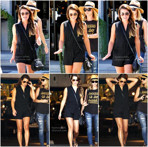 13/08/14 : Lea a été vue dans Beverly Hills au téléphone, puis le lendemain dans un magasin de meuble en compagnie de sa co-star Becca Tobin. [/align=center]