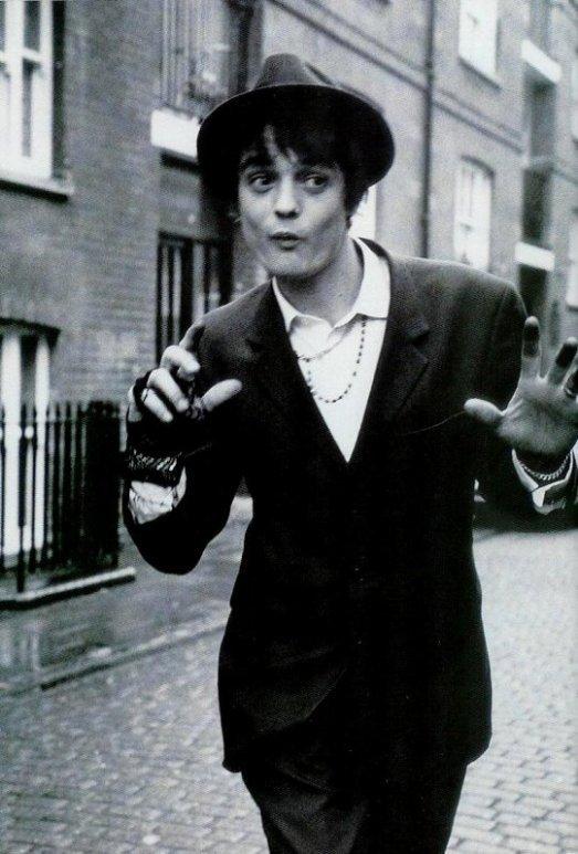 """""""Les Anglais ne s'intéressent pas à la musique, mais ils aiment le bruit qu'elle fait."""" ____ Thomas Beecham"""