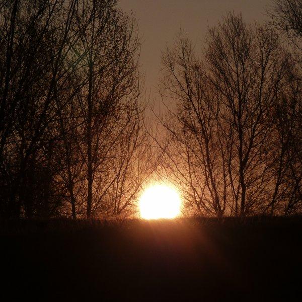 le jour se lève sur fronton et c'est parti pour une journée ensoleillée