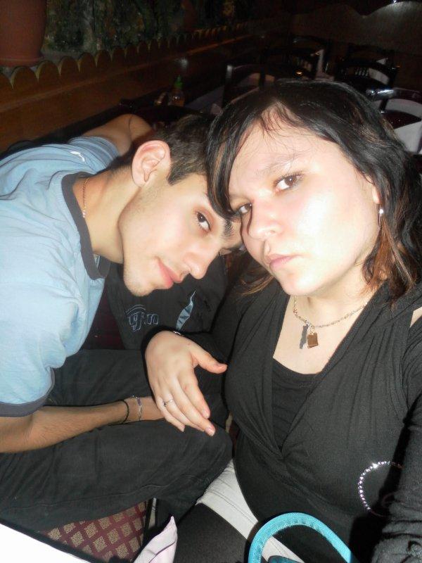 ★{¯`*·._ >* MOon beau frere et ma soeur quelle beau couple :p★{¯`*·._ >*