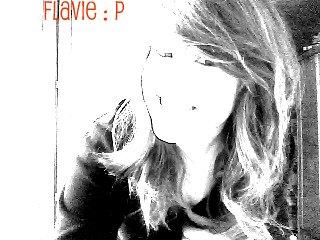 Je sαis pαs si tu réαlises que t'αrrives α me fαire sourire juste en existαnt. ܤ