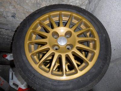 Vend 4 jantes immitation OZ en 15 pouce monter sur civic et 4 pneus neuf.
