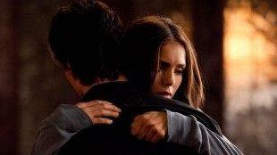 """"""" Quand tu perds quelqu'un ça reste en toi, te rappelant toujours combien il est facile d'être blessé . """""""