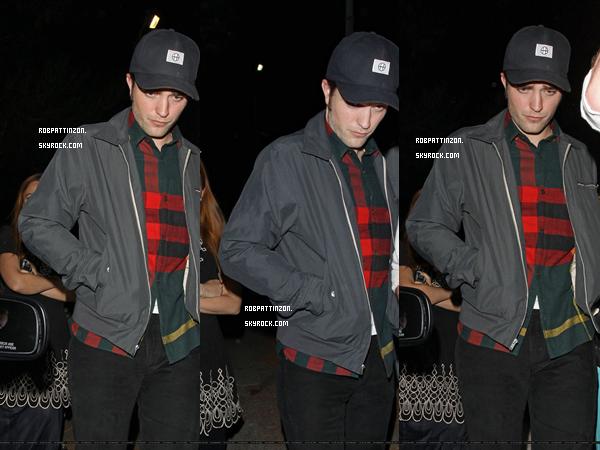 Le 21 Juin: Rob était de sortie dans L.A. Notre chèr Rob était de sorti se cachant des papz.