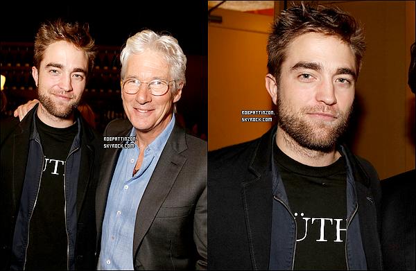 Hmm, ça vous dit on contise tous et on achète un rasoir à Rob ?!