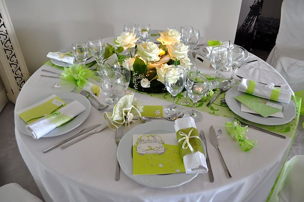 D coration de table mariage anniversaire d ner en for Decoration de table idees
