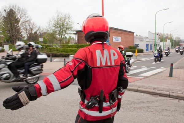 Des centaines de motards à l'assaut des deux Brabants - Honderden motorrijders toeren door Brabant