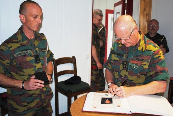 Visite du Land component Commander le Général-major De Vos le 30 mai 13