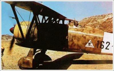 """Les chasseurs: premier programme de modernisation: le Fiat C.R.42 """"Falco""""."""