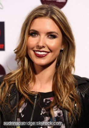 *                                                                             Audrina at The Pool After Dark at Harrah's Resort le 09 Juillet