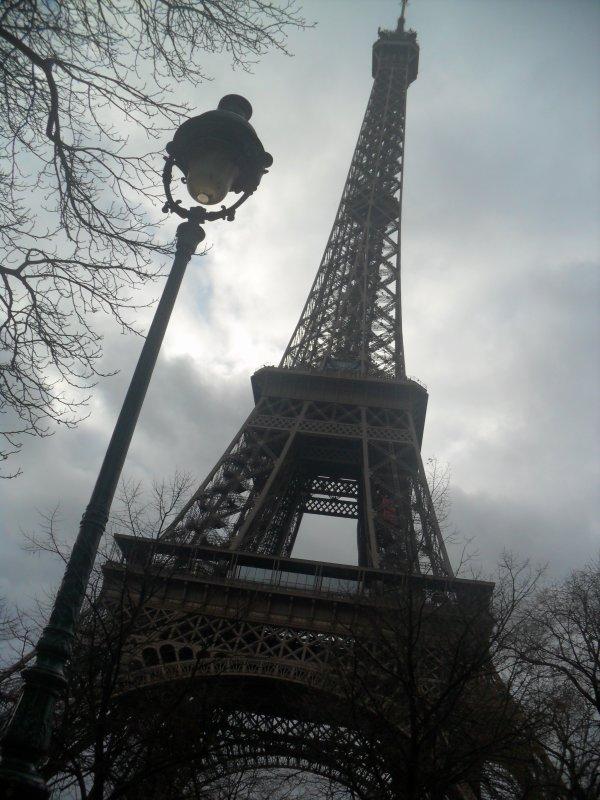 Paris avec ma poupey <3