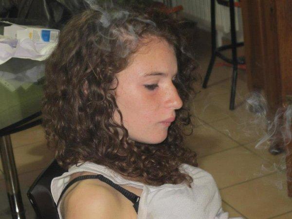 Kenza , 17 ans , Francaise - Algerienne