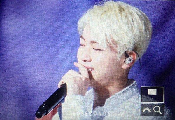Les BTS pleurent au deuxième concert à Séoul