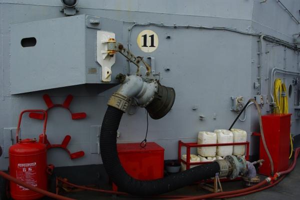 manche de ravitaillement de gasoil à la mer