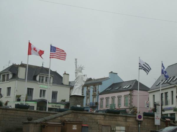 la   statue de la Liberté à Gourin dans le  Morbihan